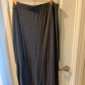 Apt 9 skirt